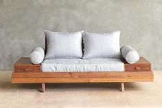 Floating-loveseat
