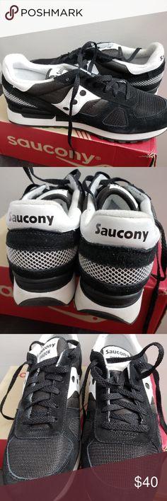 bc59954fa31 Saucony Men s Shadow Sneaker Size 11 Black   White