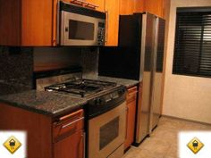 $3,000 / 2 Bed Apartment, Pacific Palisades / Immediate move-in ready 2 bedroom + den condominium in Palisades. Washer/Dryer Hookups! / Apartment Hunters, California