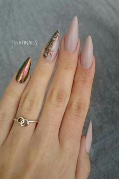 50 Gorgeous Nail Art Designs That Will Shimmer And Shine You Up Stiletto Nail Art, Nude Nails, Acrylic Nails, Pointy Nails, Stiletto Nail Designs, Fancy Nails, Trendy Nails, Nail Art Dentelle, Hair And Nails