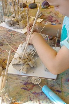 reminds me of playcenter in NZ Homeschool Kindergarten - working with clay (An Everyday Story)