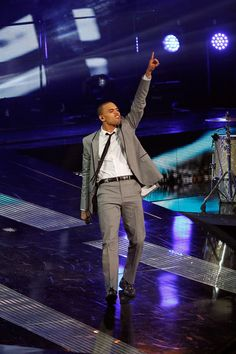 Chris Brown Men's Suit - Chris Brown gave his all while performing in a gray suit during halftime at the NBA All-Star Game.
