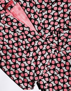 Stills & Strokes on levineleavitt.com #fashion #editorial #pink #womensfashion #pattern