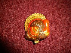 VINTAGE HALLMARK THANKSGIVING HARVEST AUTUMN TURKEY LAPEL PIN
