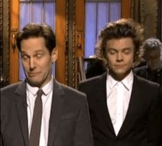 "When Harry poked Paul Rudd and smiled: | The 29 Best Parts Of One Direction On ""Saturday Night Live"""