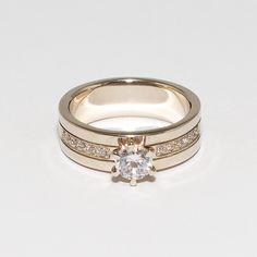 Помолвочное кольцо. Белое золото 585 пробы, бриллианты. Ширина 7 мм, вес 7гр. Ручная работа. Пожизненная гарантия. Обращайтесь ☎ 066 4989399 Viber Также изделия любой сложности под заказ ddm.kiev.ua