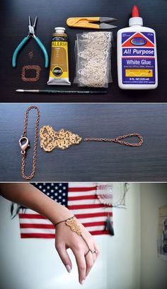 La pulsera de esclava de encaje dorado | 46 Ideas para joyería hazlo tú mismo que realmente quieres usar