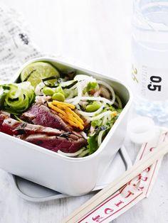Kinaskål med tunfisk, reker og grønnsaker