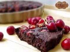 Pohánkový brownie s čerešňami - recept Chocolate Pies, Sweets, Brownies, Beef, Snacks, Food Ideas, Cakes, Basket, Cake Brownies