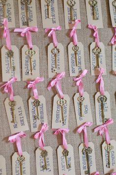 vintage skeleton keys attached to escort cards #vintagewedding http://www.weddingchicks.com/2013/12/09/elegant-english-wedding/