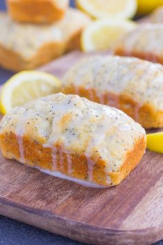 These Mini Lemon Poppy Seed Loaves are light moist and full of lemon flavor Perfect for the summer and to give as a homemade gift for that special someone Poppy Seed Bread With Glaze, Lemon Poppy Seed Loaf, Mini Loaf Cakes, Mini Bread Loaves, Loaf Recipes, Lemon Recipes, Baking Recipes, Epicure Recipes, Lemon Desserts