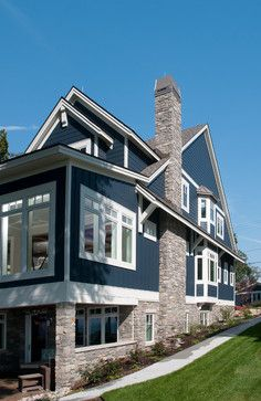 Unique Home Exterior with Stone Ideas. The building exterior is the most important part of a building. The majority of the exterior of the building functioned as a decorative building. Exterior Paint Colors For House, Paint Colors For Home, Navy House Exterior, Paint Colours, Exterior Siding Colors, Outdoor House Colors, Cottage Exterior Colors, Siding Colors For Houses, Stone Exterior Houses