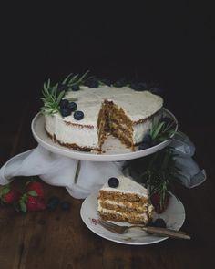 Porkkanakakku saa mehevyyttä tuorejuustosta - ku ite tekee Tiramisu, Ethnic Recipes, Desserts, Food, Tailgate Desserts, Deserts, Essen, Postres, Meals