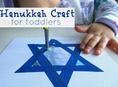 Toddler Hanukkah craft!