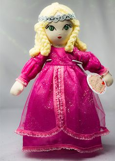 Queen Isabella Handmade Collection Cloth Dolls by by Manolitas ♡ Queen Isabella, Art Dolls, Doll Clothes, Fairy Tales, Aurora Sleeping Beauty, Textiles, Disney Princess, Trending Outfits, Handmade Gifts