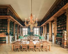 Urban landscape photographer Franck Bohbot is currently working on a new series titled House Of Books, where he is paying tribute to the beautiful architecture of libraries all over the world. What has started in Paris… Library Study Room, World Library, Dream Library, Old Libraries, Bookstores, Library Architecture, Beautiful Library, Magical Library, Paris Arrondissement