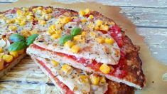Cauliflower pizza, cauliflower pizza, flour-free pizza for those who want to lose weight . No Dairy Recipes, Diet Recipes, Healthy Recipes, Healthy Food, Recipies, Healthy Filling Snacks, Yummy Snacks, Tortilla Pizza, Pear Smoothie