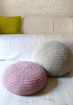 Floor Cushion Crochet pink by lacasadecoto on Etsy, DIY? Crochet Floor Cushion, Crochet Pouf, Crochet Cushions, Floor Cushions, Diy Crochet, Mode Crochet, Crochet Home Decor, Soft Furnishings, Crochet Projects