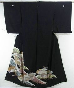 This is a kimono fabric cut into Kurotomesode shape and stitched roughly before sewing to make kurotomesode.  It has a design of Kyoto scenery on jigami'(fan shape), which is dyed
