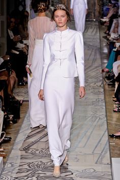 Valentino Fall 2011 Couture Collection Slideshow on Style.com