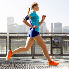 Everyday Health: Fitness Gear That Flatters  Want to work hard and look good doing it? These six easy pieces are great examples of flattering, functional gym clothes.