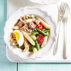 French tuna nicoise pasta salad recipe - A healthy salad that won't leave you feeling hungry – perfect for lunch or supper. Healthy Pasta Recipes, Spinach Recipes, Healthy Pastas, Pasta Salad Recipes, Lunch Recipes, Cooking Recipes, Chicken Recipes, Healthy Food, 500 Calories A Day
