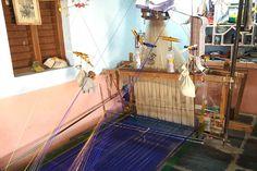 gadwal sarees loom http://www.craftsvilla.com/blog/gadwal-sarees-discover-the-nine-yard-empire-of-the-south/