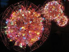 Giant sparkle ball, great for outside Christmas decoration and so easy to do!