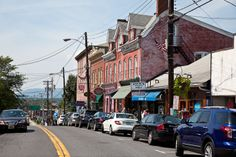 Spent WAY too much time on this street:)  Main Street New Paltz, NY #newpaltz #sunynewpaltz