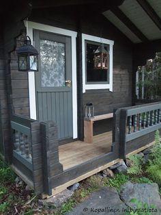 Kopallinen inspiraatiota Ulkosauna - Outdoor sauna Outdoor Sauna, Outdoor Decor, Curb Appeal, Tiny House, Paint Colors, Outdoor Living, Cottage, Saunas, Exterior