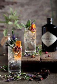 Cocktail Garnish, Cocktail Drinks, Cocktail Recipes, Alcoholic Drinks, Beverages, Drinks Alcohol, Drink Recipes, Cocktail Photography, Food Photography