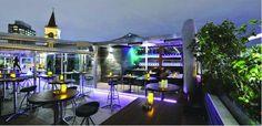 İstanbul'un tüm güzelliklerini tek bir karede toplayan Zoe Bar & Club size büyüleyici bir atmosferde dünya mutfaklarından zengin örnekler sunarken aynı zamanda doyasıya eğlence olanağı sağlıyor. Topkapı Sarayı'nı, İstanbul'un büyüleyici güzelliklerini seyrederken güzel bir akşam yemeği yiyebilir ve Cuma/Cumartesi geceleri Saat 23:00 dan itibaren Dj eşliğinde gecenin ilerleyen saatlerine kadar dans edebilirsiniz.