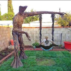 Funny pictures about Groot Tree Swing. Oh, and cool pics about Groot Tree Swing. Also, Groot Tree Swing photos. Ms Marvel, Marvel Comics, Captain Marvel, I Am Groot, Deco Originale, Geek Culture, Guardians Of The Galaxy, Marvel Universe, Urban Art