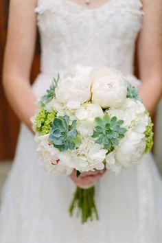 Wedding Photography: Anne Brookshire Photography || Floral Design: Rusty Glenn Designs, via stylemepretty.com
