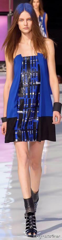 Maxime Simoens Spring Summer 2015 Ready-To-Wear Colorful Fashion, Love Fashion, Spring Fashion, Girl Fashion, Fashion Dresses, Fashion Trends, Maxime Simoens, Blue Crush, Spring Summer 2015