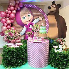 Esplêndida festa no tema Masha e o Urso! Birthday Cake Kids Boys, 2nd Birthday Party Themes, Bear Birthday, Birthday Balloons, Birthday Party Decorations, Cake Birthday, Masha Et Mishka, Marsha And The Bear, Bear Party