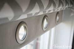 just the bee's knees: DIY Roman Blinds with Grommet Detail - scary when minds think alike Roman Blinds, Curtains With Blinds, Valances, Window Curtains, Roman Shades Kitchen, Curtain Designs, Curtain Ideas, Valance Ideas, Drapery Ideas