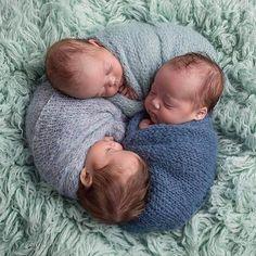 Newborn triplet photoshoot.