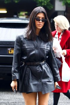 Kourtney is super hot in this awesome leather jacket dress ღ Awesome fashion clothes for stylish women from Zefinka. Mode Outfits, Chic Outfits, Fashion Outfits, Fashion Clothes, Le Style Du Jenner, Leather Jacket Dress, Look Street Style, Kardashian Style, Kourtney Kardashian 2018