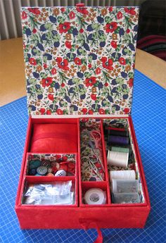 My sewing box Fabric Covered Boxes, Fabric Storage Boxes, Sewing Crafts, Sewing Projects, Projects To Try, Decor Crafts, Diy And Crafts, Diy Paper, Paper Crafts