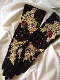 Vintage Accessories, Jewelry Accessories, Vintage Gloves, Goth Aesthetic, Gold Work, Embroidery Dress, Fashion Outfits, Womens Fashion, Floral Tie