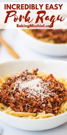 This easy Pork Ragu is perfect comfort food and a total crowd-pleaser. Pork Pasta, Pork Ragu, Spagetti Recipe, Ragu Recipe, Pork Shoulder Roast, Pasta Dishes, Pasta Sauces, Italian Dishes, Cooking Recipes