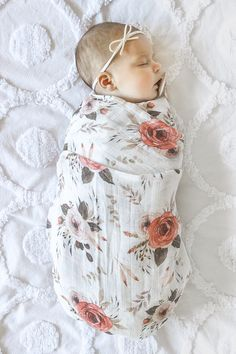 Help your baby sleep soundly with our selection of organic baby swaddle wraps. Wrapping your baby for sleep helps to settle them and reduce awake time. Muslin Baby Blankets, Hipster Baby Clothes, Swaddle Wrap, Baby Diaper Bags, Baby Wraps, New Baby Products, Toddler Toys, Baby Toys, India Rose