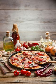 Homemade pizza by grafvision. Pizza made with salami mozzarella mushrooms olives and tomato sauce Comida Pizza, Mozzarella, Pizza Photo, Vegan Pizza, Good Pizza, International Recipes, Pizza Recipes, Food Styling, Food Inspiration