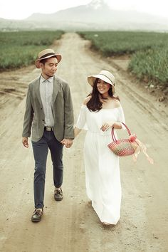 A Vintage-Inspired Outdoor Engagement Shoot in South Cotabato Fall Engagement, Engagement Shoots, Bride And Breakfast, Wedding Color Combinations, Different Shades Of Pink, Wedding Shoot, Wedding Blog, Groom Attire, Brides And Bridesmaids