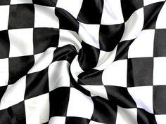 Tissu satin Drapeau à damier 4 x 4 cm noir blanc   tissus-hemmers.fr