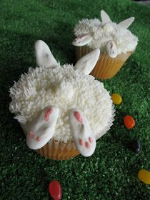 Purple Chocolat Home: Bunnies in the Grass Cupcakes