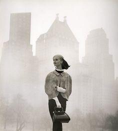 Una modelo en la ciudad de Nueva York en 1956
