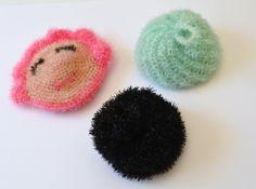 Poupette, Denzel et Nicolas le vert ...mes Tawashi d'amour...Tuto - La chouette bricole Creative Bubble, Crochet Diy, Crochet Circles, Rico Design, Hair Pins, Bubbles, Stud Earrings, Shapes, Amigurumi