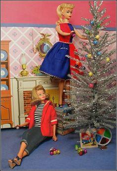 Barbie Dolls : Image : Description Hey Saylor Greetings - love the mini color wheel. Barbie Diorama, Christmas Barbie, Vintage Christmas, Silver Christmas, Christmas Tree, Christmas Ornament, Xmas, Barbie Stil, Manequin